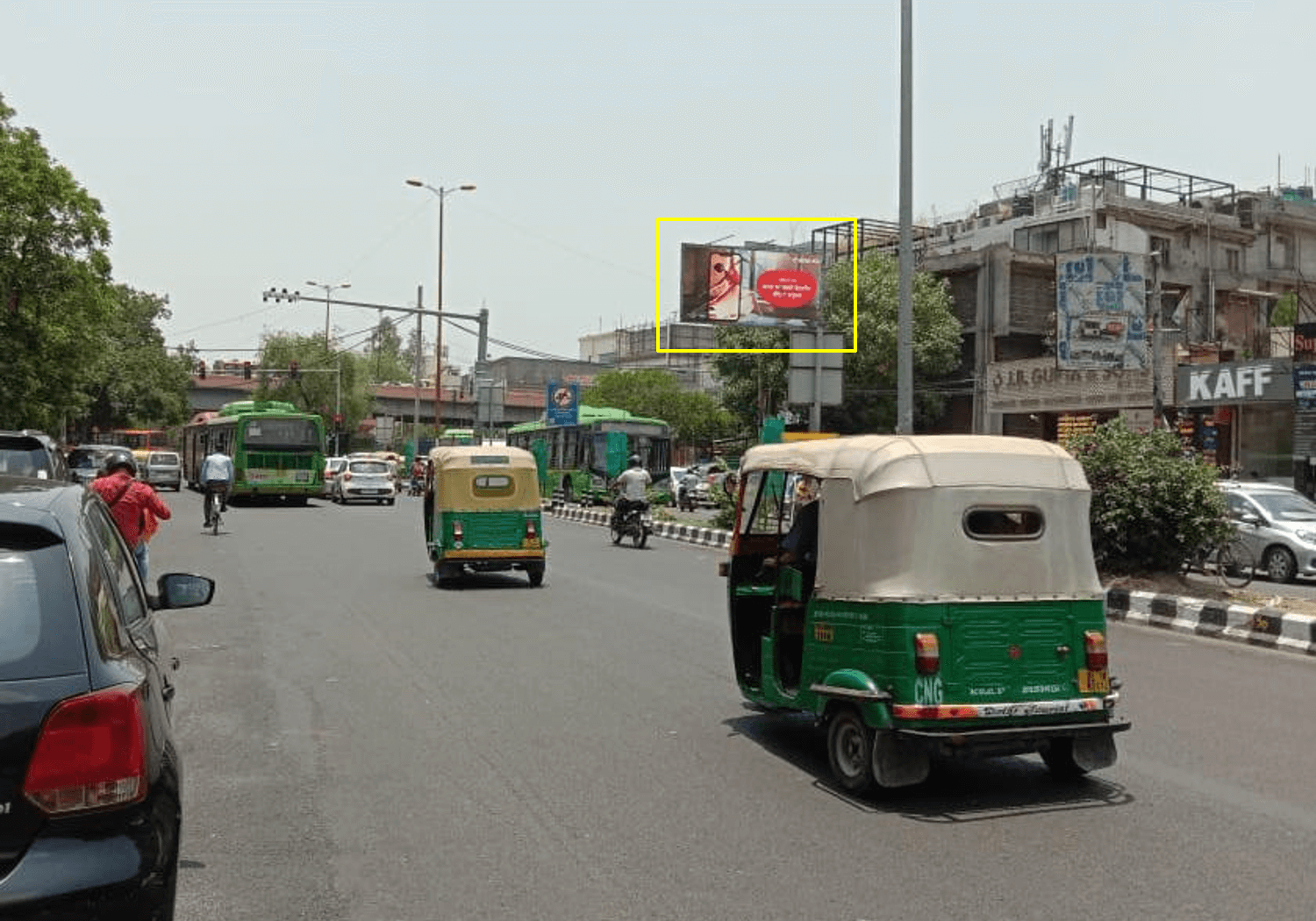 Outdoor Unipole Advertising at South Ex Red Light FTC from Defence Colony towards Ansal Plaza / Khan Market, Delhi