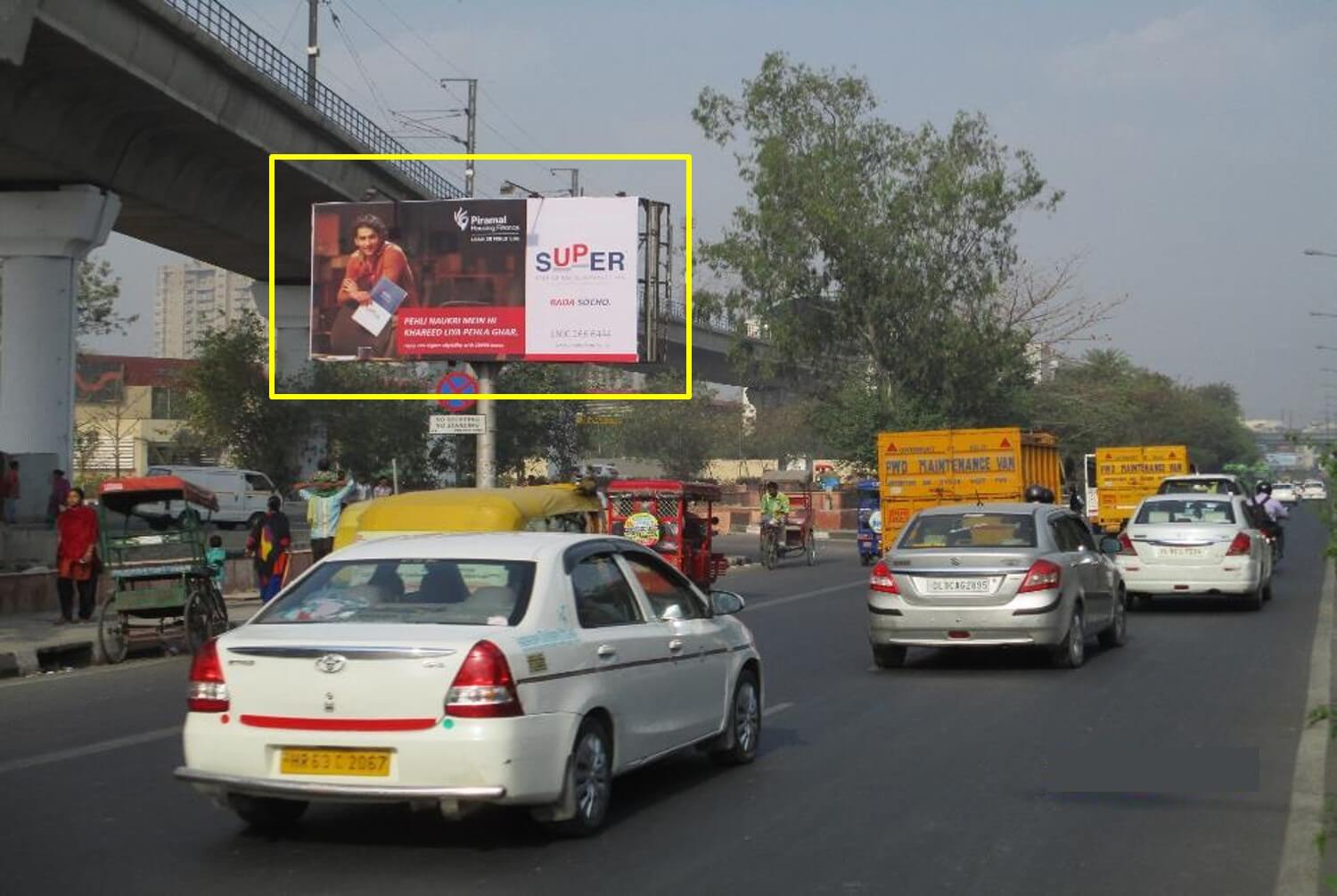 Option No.3 Outdoor Unipole Advertising at Model Town (Nr. Chatrasal Stadium) FTC from Model Town to Azadpur Ring Road